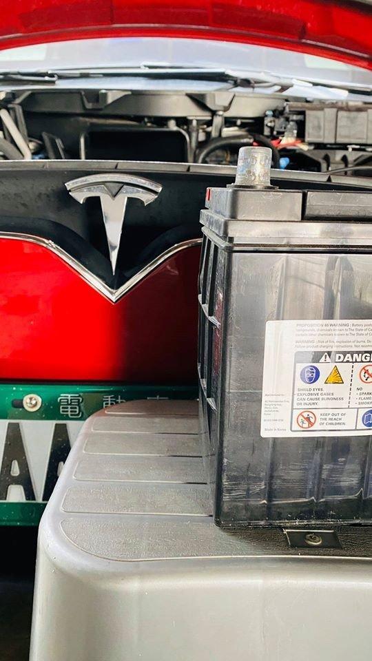 十萬公里更換12V電瓶